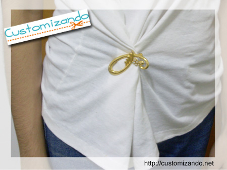 Customiza��o Instant�nea de Camiseta com Broches