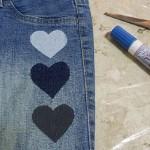 Customizando calça jeans com corações