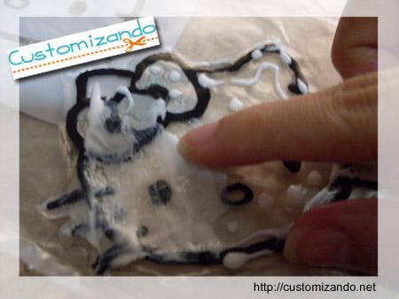 Customização de roupas com a técnica de adesivagem