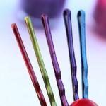 Grampos coloridos com esmalte