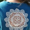 Camiseta com toalhinha de renda
