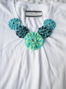 customização de camiseta com fuxico
