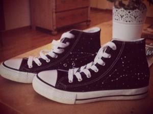 tênis all star constelação