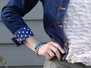 customização de jaqueta com punho estampado