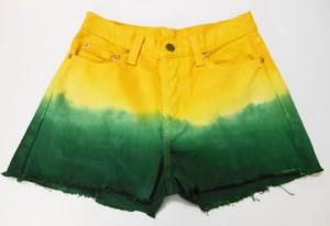 DIY - como customizar short jeans para a Copa do Mundo - dip dye verde e amarelo