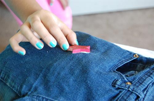 como-fazer-calca-jeans-estrelas-3