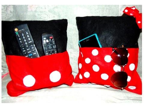 Almofada com bolso Mickey e Minnie