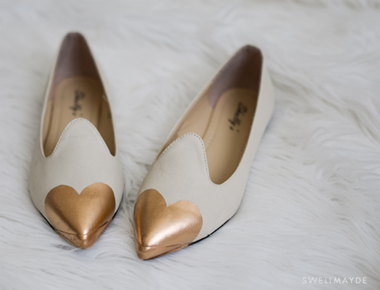 Como fazer bico de coração no sapato ou sapatilha