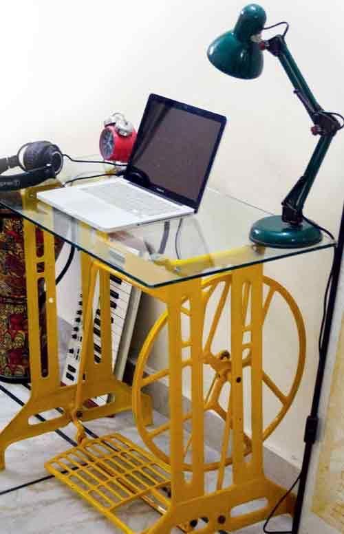 Nova vida para: pé de máquina de costura antiga