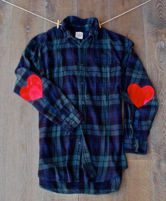 Camisa xadrez customizada com cotoveleira de coração