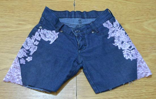 Customizando short ou bermuda com renda