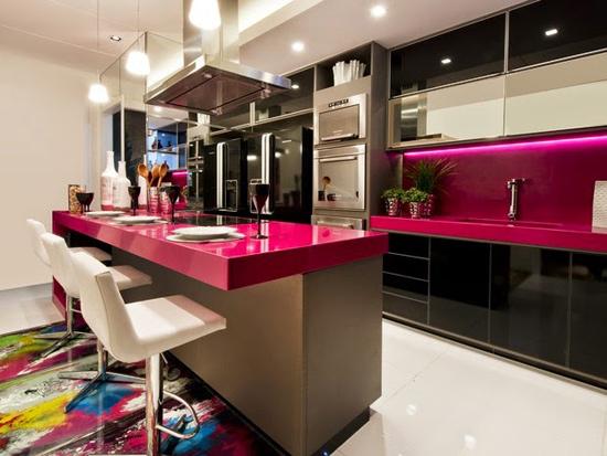 Cozinhas coloridas decoradas