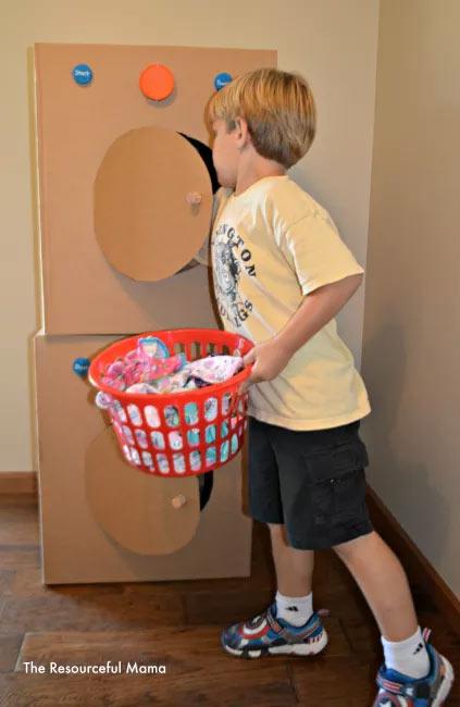 brinquedo-sucata-caixa-papelao-maquina-lavar